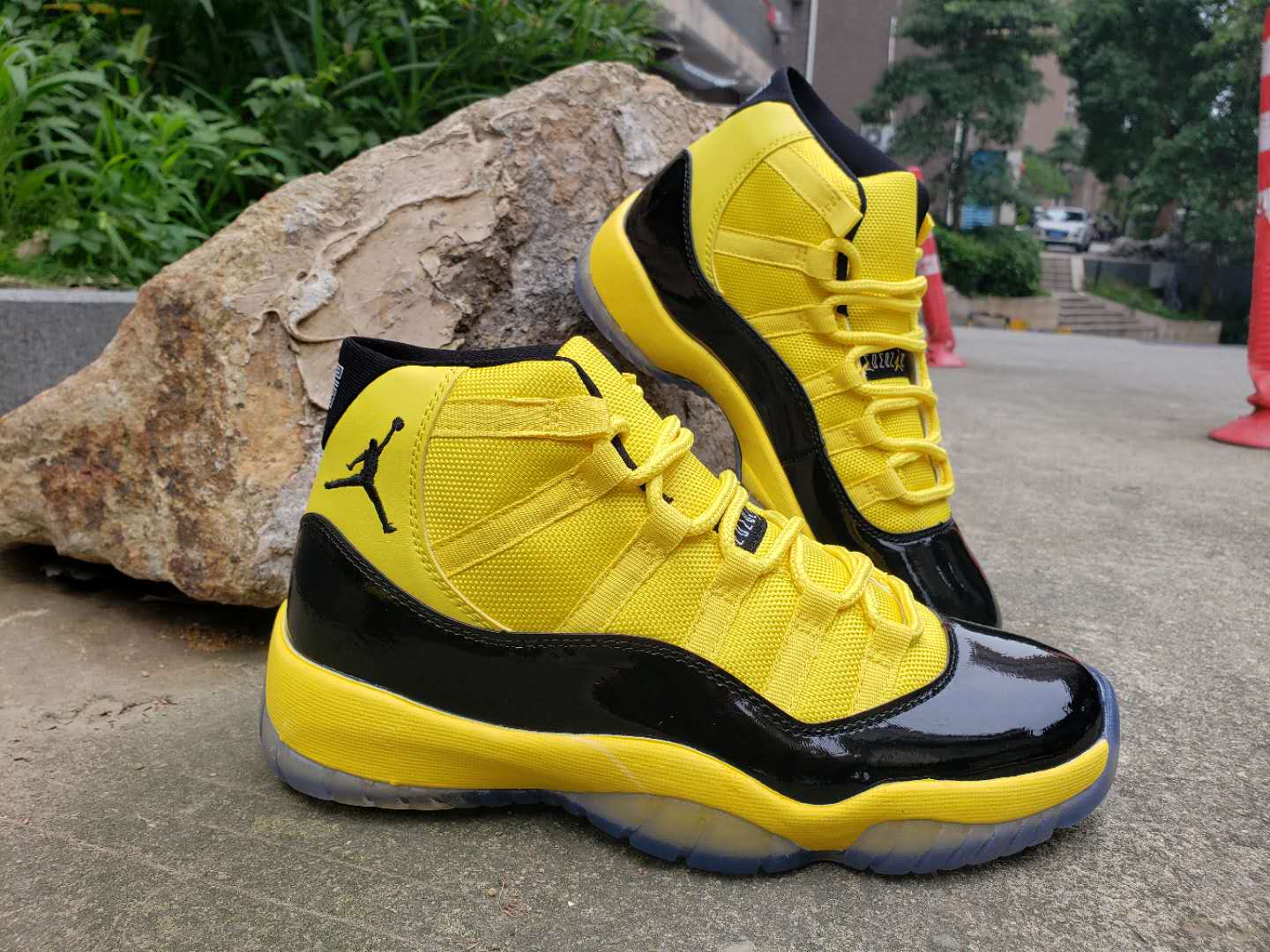2019 Men Jordan 11 Bumblebee Yellow Black Shoes