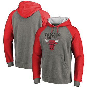 Chicago Bulls Fanatics Branded Distressed Logo Tri-Blend Pullover Hoodie - Ash Red