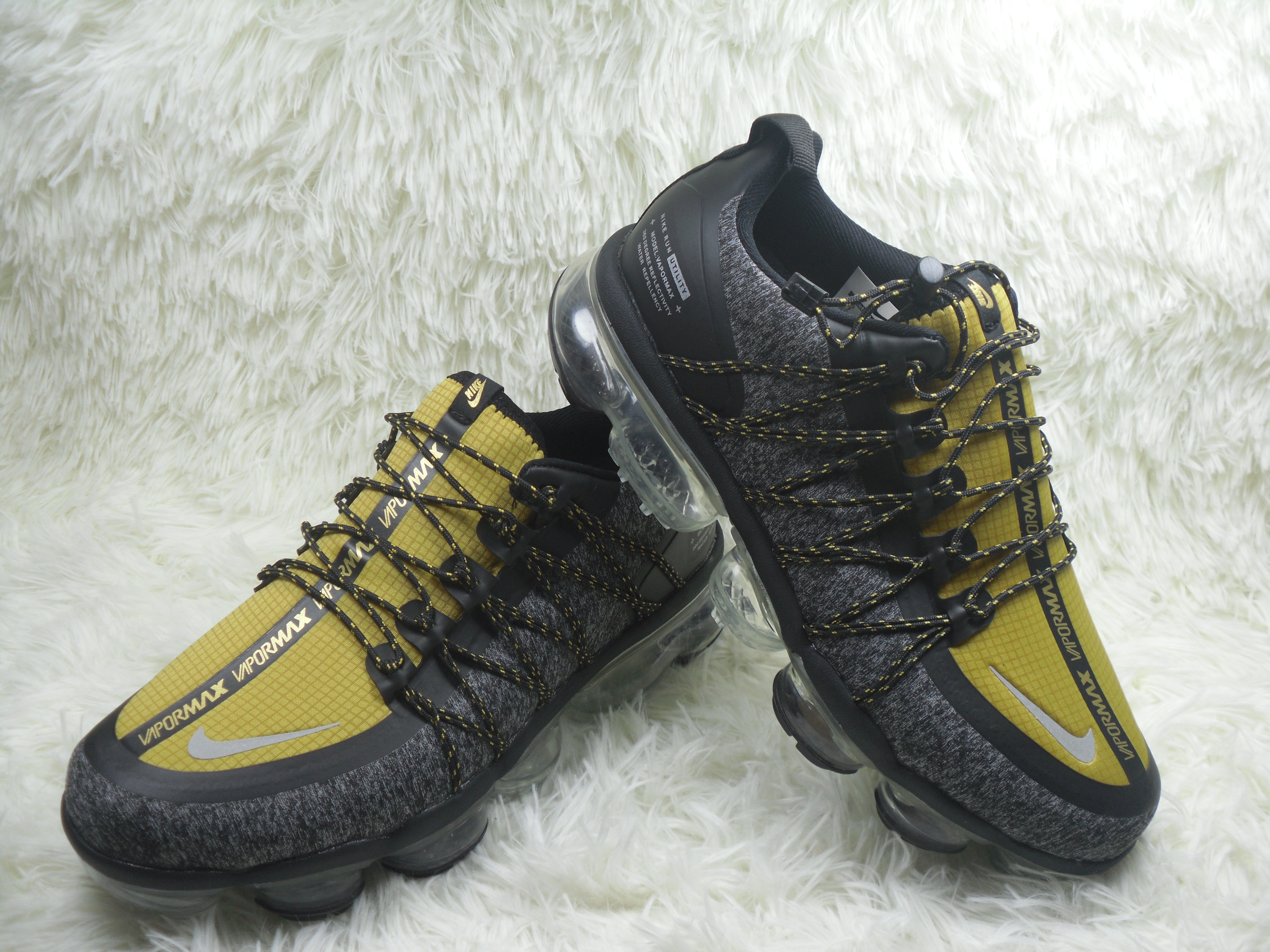 Men NIKE SP W NIKE AIR VAPORMAX RUN UTLTY Yellow Black Shoes