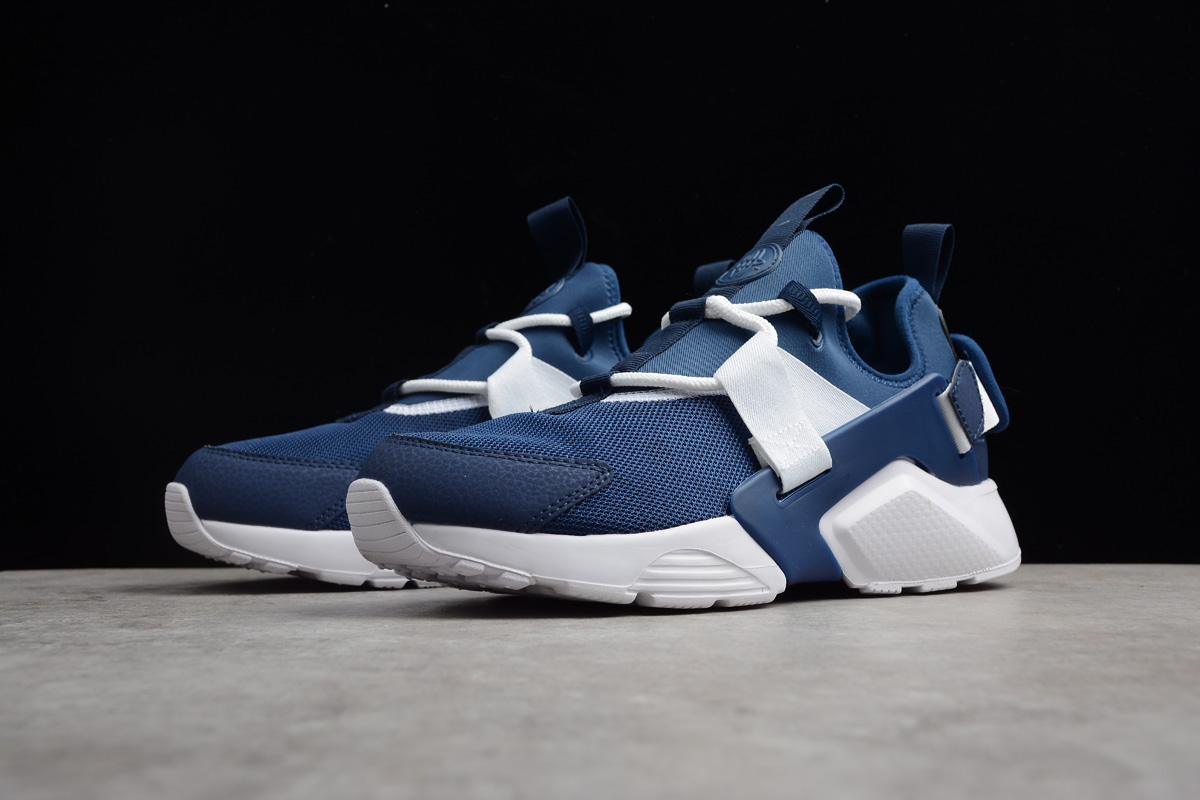 Nike Air Huarache City Low Navy White Running Shoes
