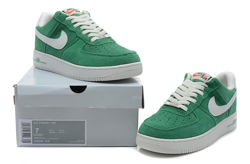 Nike Air Force 1 Low Super soft suede Blazer Green White Sneaker