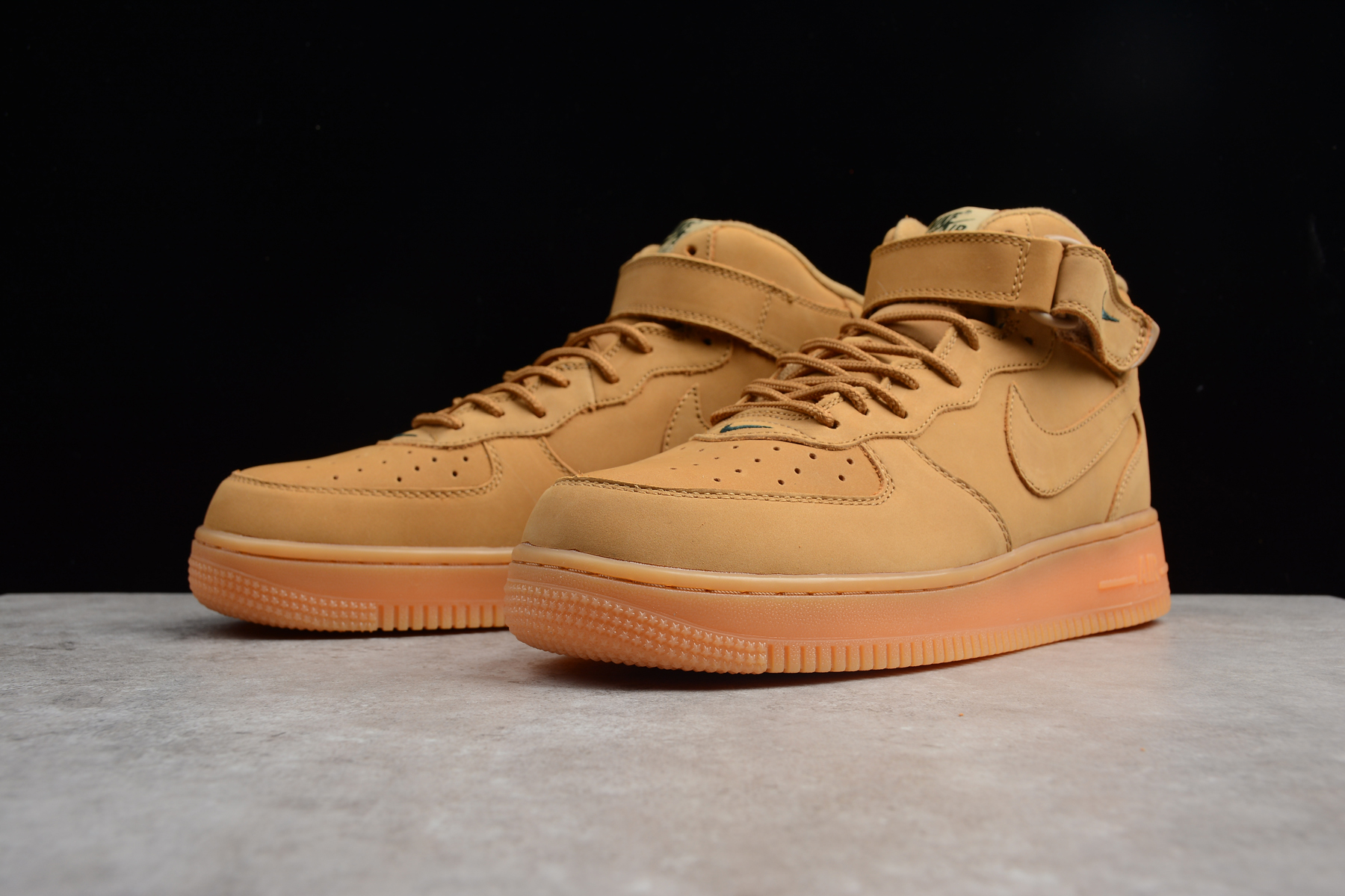 Nike Air Force 1 High LV8 Wheat NFlax Flax Outdoor Green