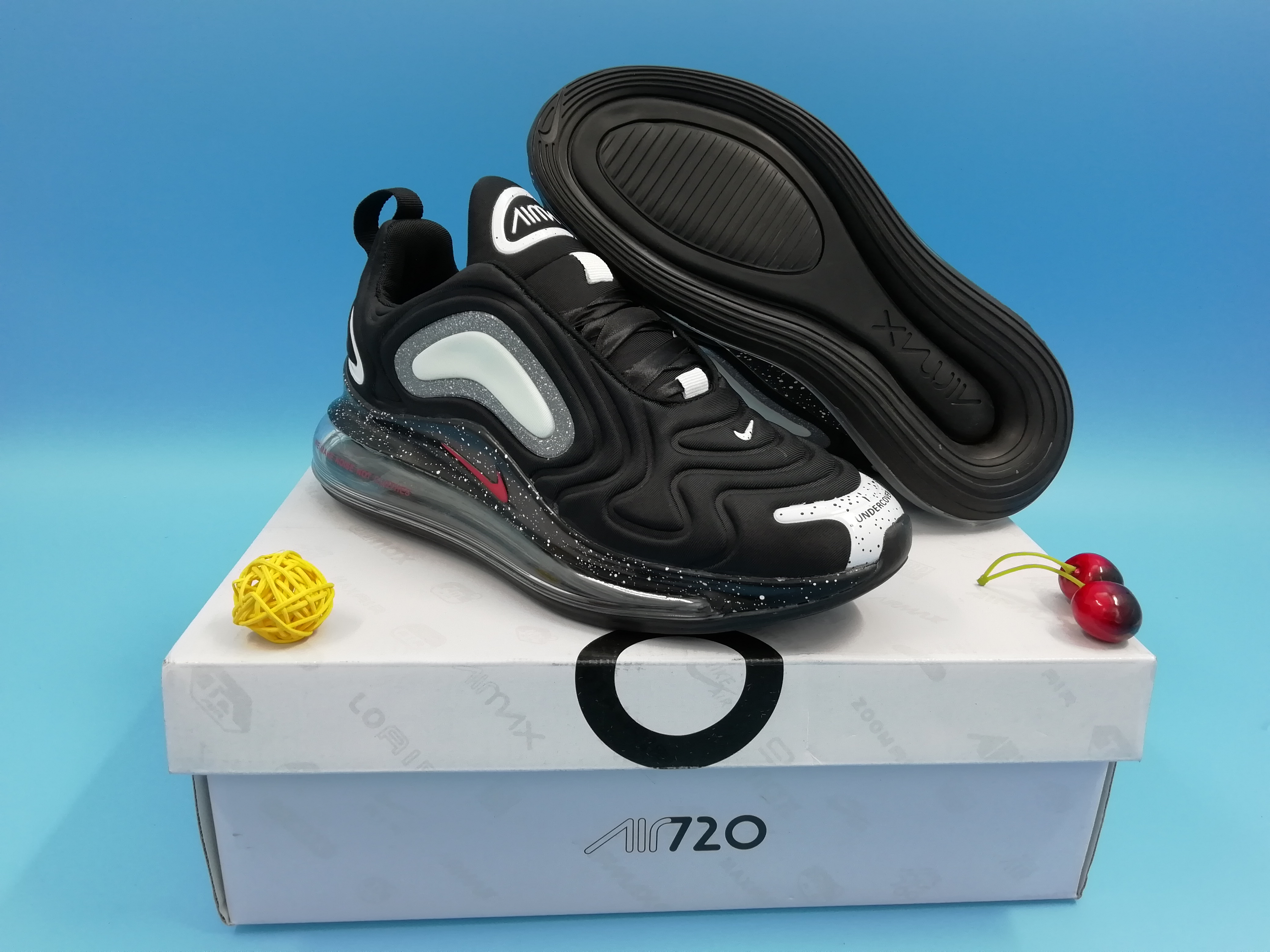 Official Nike Air Max 720 Black White Women Shoes